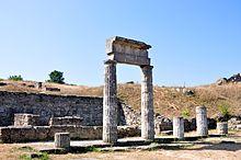 220px-Panticapaeum_Prytaneion-2