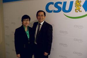 You Xie mit Ehefrau