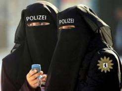 polizei-kopftuch